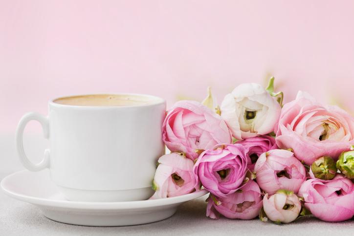 Blommor och kaffe © iStock